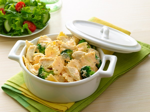 Cheesy Chicken & Broccoli Pasta